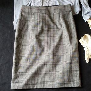 Banana Republic business style plaid pencil skirt